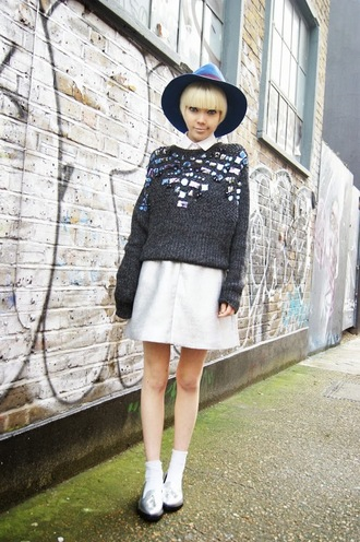 stella's wardrobe blogger silver embellished fedora grey sweater hat sweater skirt shoes