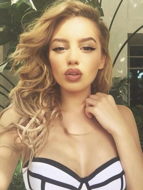 top tumblr girl tumblr urban nude lipstick make-up clothesmindedx3 val mercado curly hair