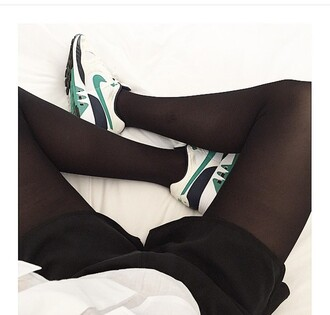 shoes sneakers sneakers addict green white black nike style shoes addict noir chaussures baskets nike shoes nike running shoes cardigan