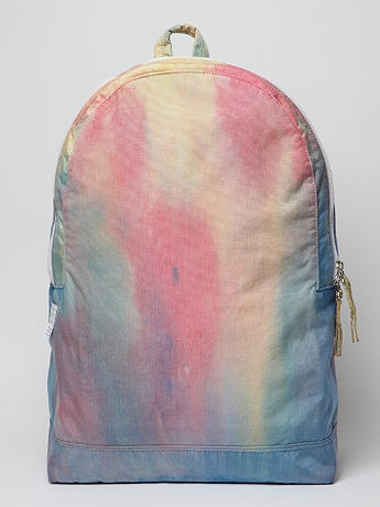 Dye day pack in psychedelic tie