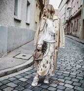 skirt,pleated skirt,midi skirt,zara,printed skirt,sweater,oversized sweater,knitted sweater,trench coat,shoulder bag