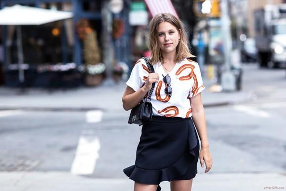 after drk bag skirt t-shirt blogger