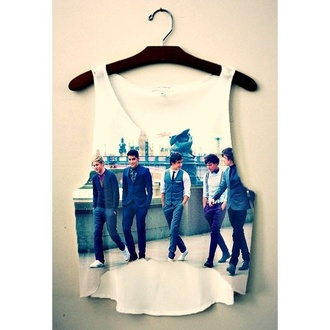 tank top one direction one direction tees clothes shirt fashion t-shirt oned top crop tops niall horan niall louis tomlinson louis zayn malik zan liam payne liam harry harry styles one thing london short crop band crop top shorts summer america britain british boyband boy band boy bands boybands hipster hipsta band t-shirt teenagers blouse one direction crop top