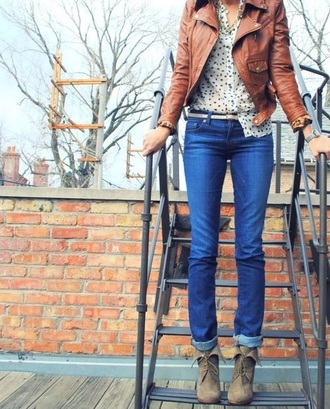 jacket leather jacket boots ankle boots skinny jeans skinny belt belt brown tan polka dots blouse necklace