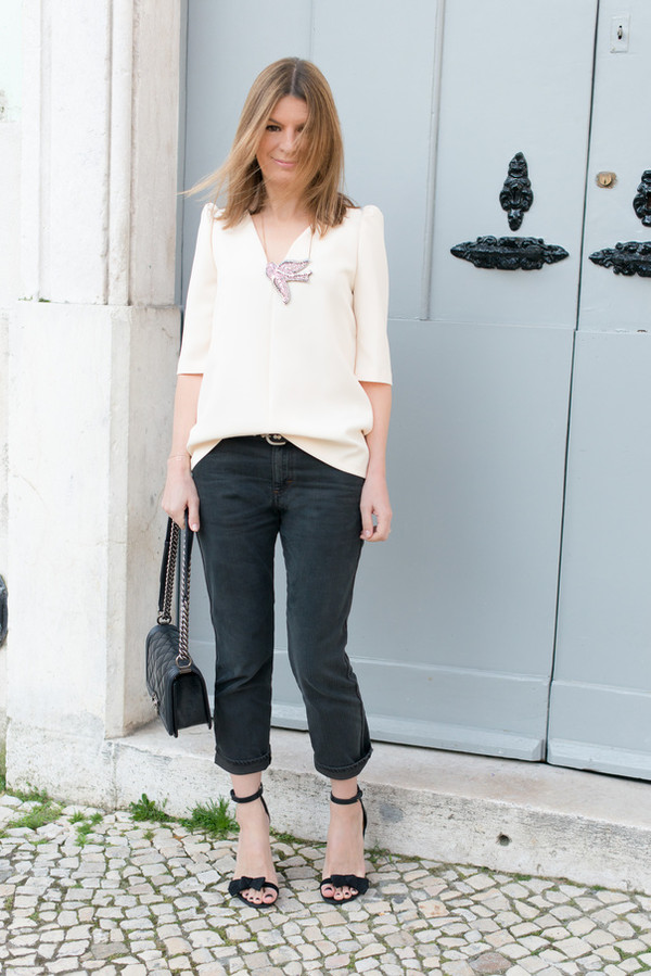 the working girl t-shirt jeans jewels shoes bag belt