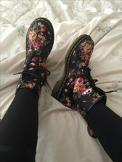shoes,grunge,hippie,grunge shoes,hipster,indie,flowers,floral,boots