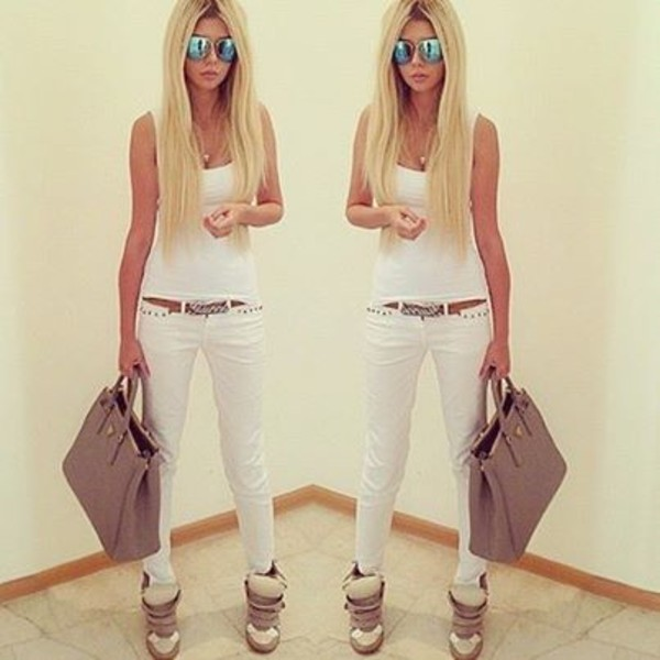 pants jeans white top white skinny jeans shoes bag belt ннн tank top