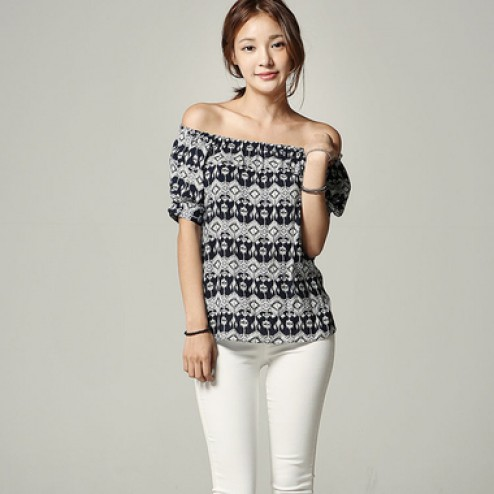 Banding neck off shoulder blouse