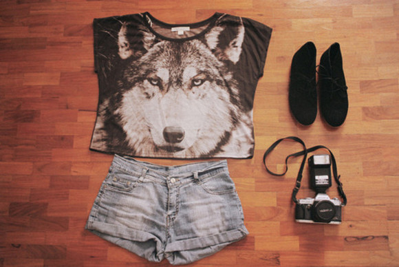 shoes light wash denim black wolf crop tops