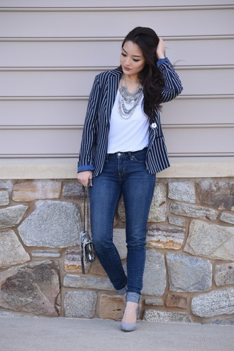 sensible stylista blogger jewels white top cropped jeans statement necklace shoulder bag striped jacket jewelry necklace statement