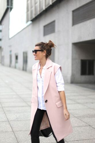 jacket white shirt pink vest blogger black skinny jeans sunglasses
