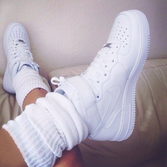 shoes white nike white shoes white nike nikes sd nike sd legwarmers nike air force 1 all white