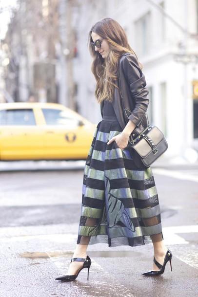 something navy blogger top skirt