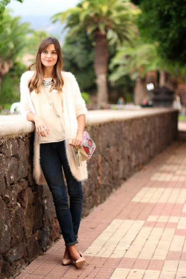 marilyn's closet blog blogger blouse cardigan jewels t-shirt jeans bag faux fur