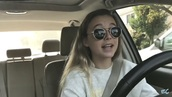 sunglasses,round sunglasses,youtuber,emma chamberlain,black,round,cute