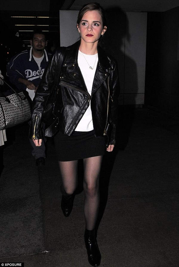 jacket emma watson skirt airport black leather leather jacket