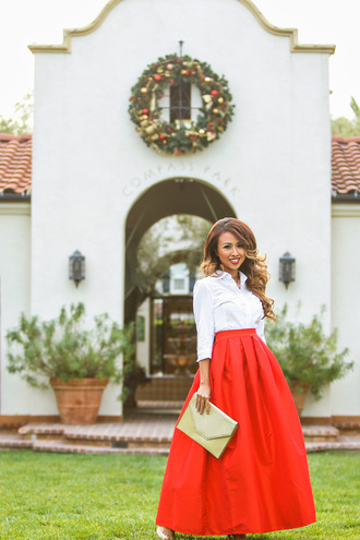 lace and locks blogger red skirt midi skirt pouch white shirt