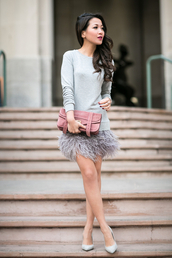 wendy's lookbook,blogger,bag,jewels,dusty pink,feathers,grey sweater,mini skirt