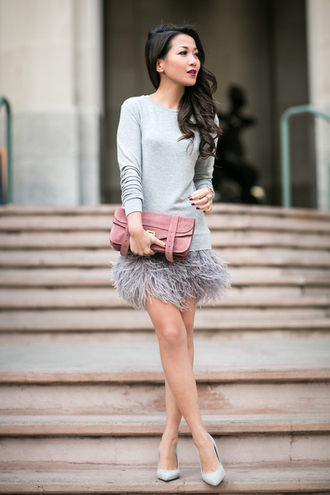 wendy's lookbook blogger bag jewels dusty pink feathers grey sweater mini skirt
