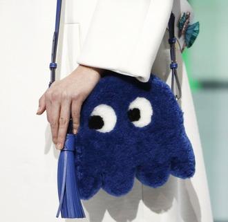 bag blue bag fur bag funny cute cute bag anya hindmarch london fashion week 2016 fashion week 2016 shoulder bag