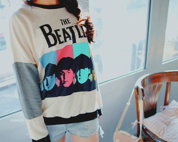 shirt the beatles sweater band sweatshirt asianluv the beatles forever young blouse blouse the beatles white blouse black and white blouse 90s grunge soft grunge soft grunge top cute favorite band nice the beatles t-shirt the beatles shirt band t-shirt fabfour crewneck vintage hoodie pretty the beatles