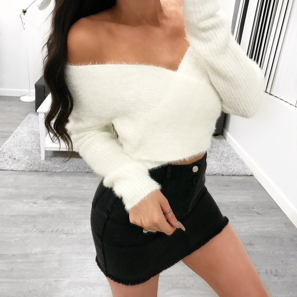 Kendra Sweater (white)