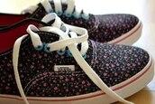 shoes,sneakers,vans of the wall,vans,flowers,floral print shoes