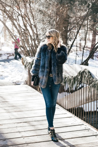 jacket tumblr fur jacket faux fur jacket denim jeans blue jeans skinny jeans boots black boots ankle boots sunglasses