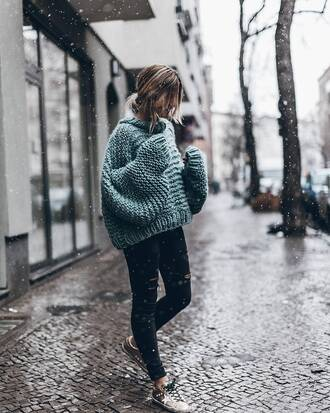 sweater tumblr green sweater oversized sweater oversized chunky knit denim jeans black jeans black ripped jeans ripped jeans sneakers low top sneakers stars