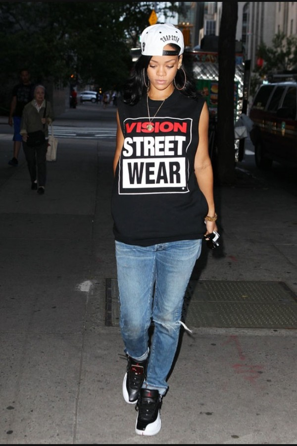 shirt rhianna t shirt air jordan leggings t-shirt black t-shirt rihanna