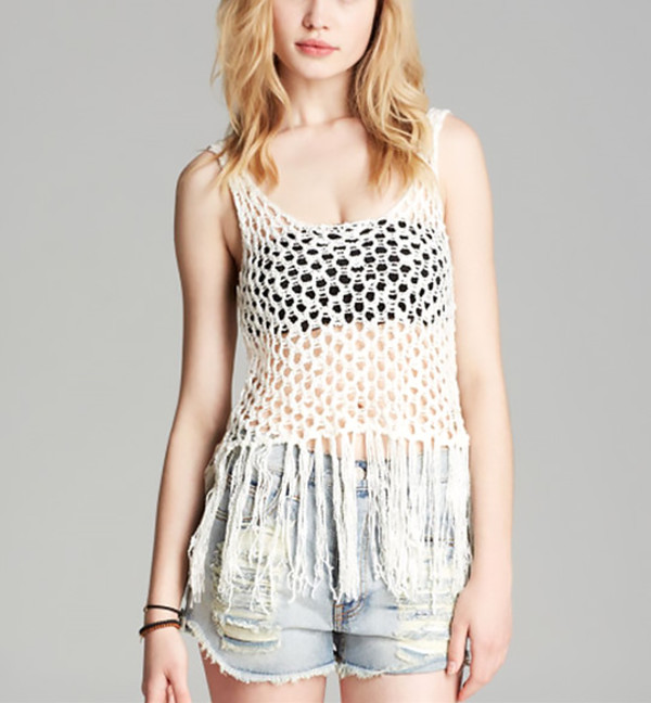 top vest summer outfits denim shorts streetstyle beachwear stylemoi