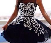 dress,beaded dress,black prom dress,stunning dress,gorgeous dress,please help me find it,i really want it,need it asap,short black dress,my future prom dress,black dress,need it now,asap,short dress,no straps,beaded,flowy dress