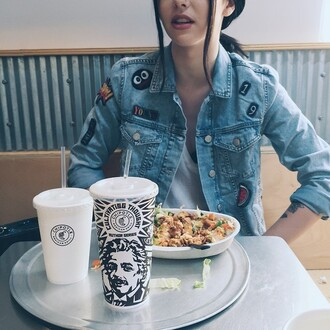 jacket jeans nice clothes young 19 chipotle lips black hair drinks food acacia brinley wow grunge jean jacket cool denim jacket