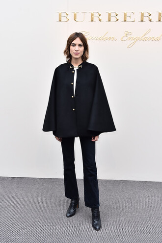 coat poncho alexa chung burberry london fashion week 2016 fashion week 2016 all black everything