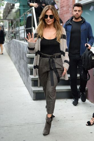 cardigan pants top ankle boots jennifer lopez streetstyle fall outfits stripes