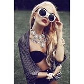 jewels,outfit made,jewelry,necklace