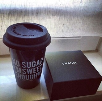 mug bag chanel black white
