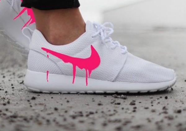 size 40 b4857 62017 shoes white roshe runs drip pink nike