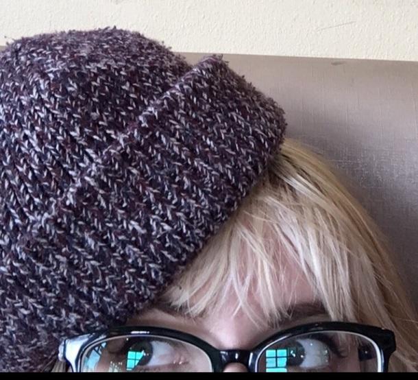 hat red white beanie crochet marron