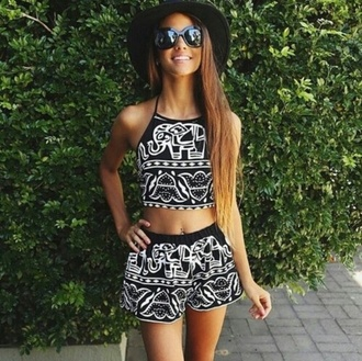 top shirt black elephant black crop top