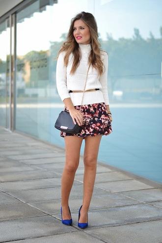 blogger bag mi aventura con la moda belt turtleneck knitwear floral skirt