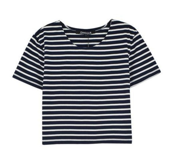 Super cute, close fitting striped t-shirt in nice quality material. I where a 38 G, and the Large was a bit tight. Ended up sending back for an extra large of the same shirt from a .