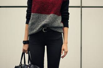 sweater clothes back to school black grey red colorful bag belt xoxo nice sweet cute perfect teenagers girl girly blsck weheartit black red blouse jeans black and red pretty burgundy grey black sweater
