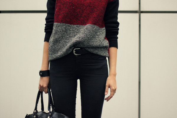 sweater clothes back to school black grey red colorful bag belt xoxo nice sweet cute perfect teenagers girl girly blsck weheartit black red blouse jeans black and red grey