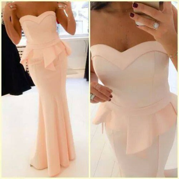 cream adorable peach longdress maxi dress maxi peachdress creamdress longpeplumdresss peplum gorgeous fitting fittingdress straplessdress strapless peplumdress