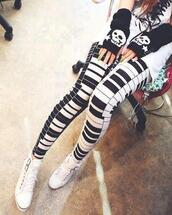 pants,super cute,leggings,gloves,piano keys,black and white,piano,black piano,white piano,piano leggings,black,white,b&w,black and white tights,tights,piano tights,music,music festival,cute,ootd,white ootd,skull,pattern,clothes,tumblr clothes,winter outfits,hipster,vintage,rock style,shoes,black and white leggings