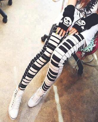 pants super cute leggings gloves piano black piano white piano piano keys piano leggings black white black and white b&w black and white tights tights piano tights music music festival cute ootd white ootd skull pattern clothes tumblr clothes winter outfits hipster vintage black and white leggings
