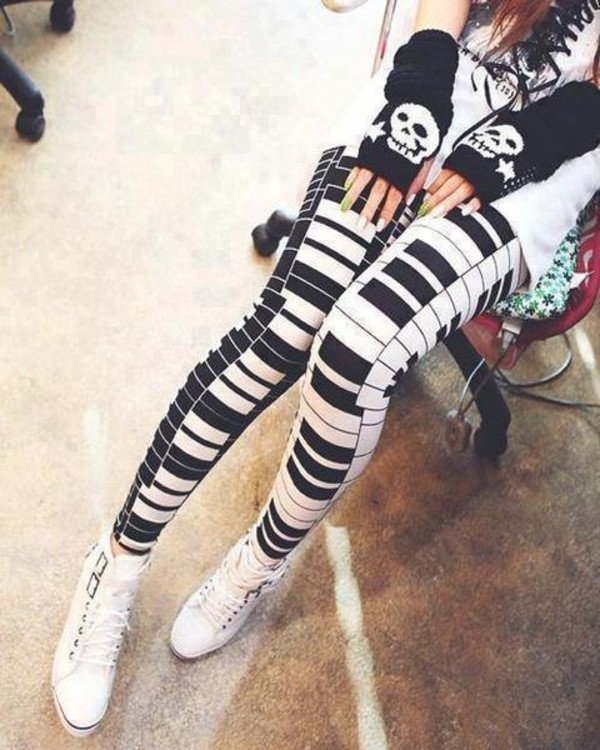 pants super cute leggings gloves piano keys black and white piano black piano white piano piano leggings black white b&w black and white tights tights piano tights music music festival cute ootd white ootd skull pattern clothes tumblr clothes winter outfits hipster vintage vintage rock style shoes black and white leggings