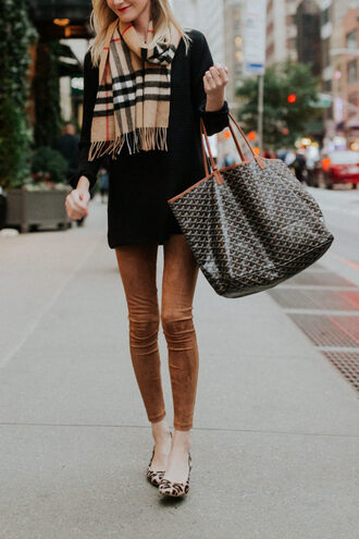 kelly in the city - a preppy chicago life style and fashion blog blogger sweater scarf leggings shoes bag