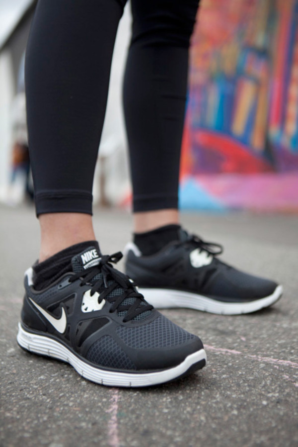 shoes nike running shoes nike running black nike running shoes pretty tumblr